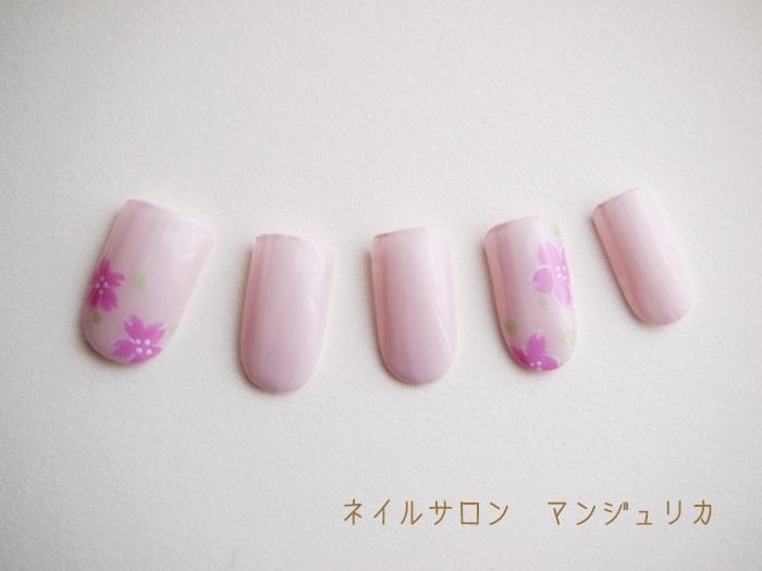 春の桜ネイル